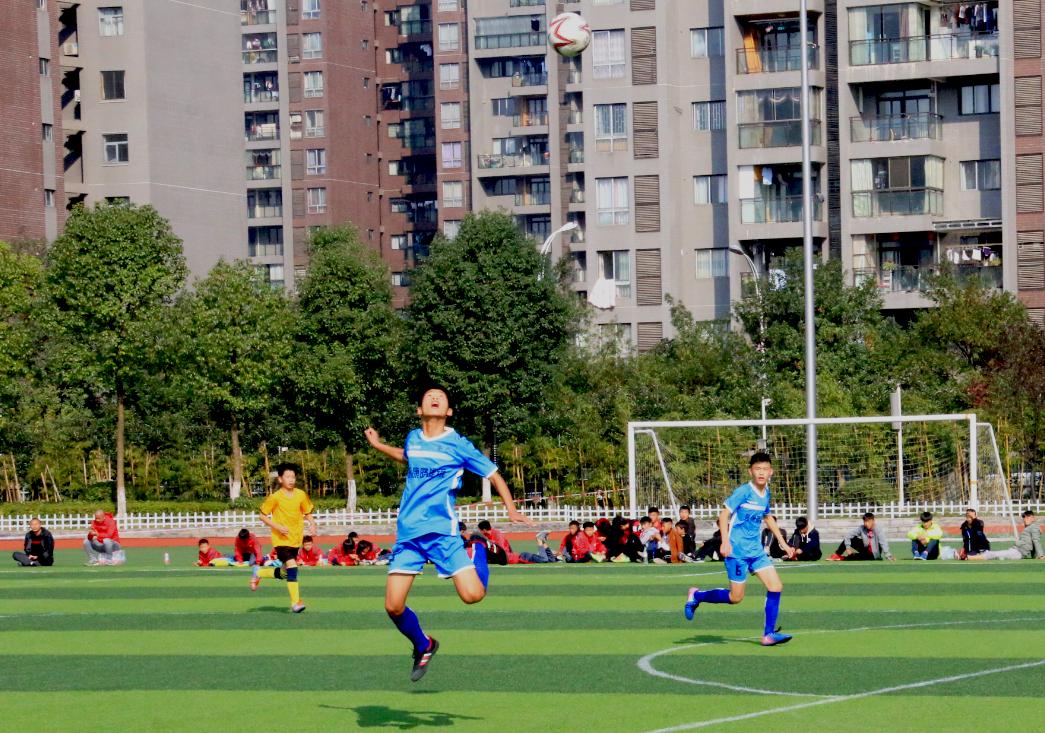 渝东南赛区校园足球选拔赛正式开幕