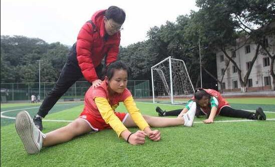秀山两名听障儿童入选U18女足