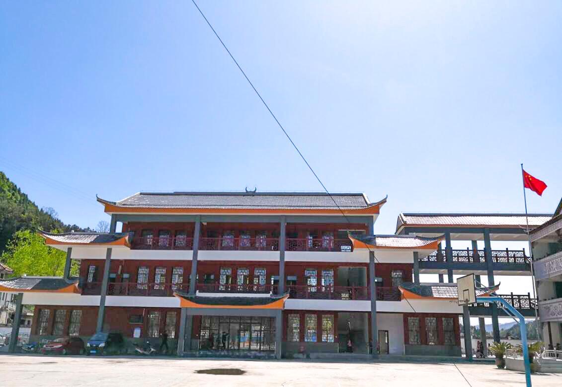 秀山县民族小学新教学楼建成投用